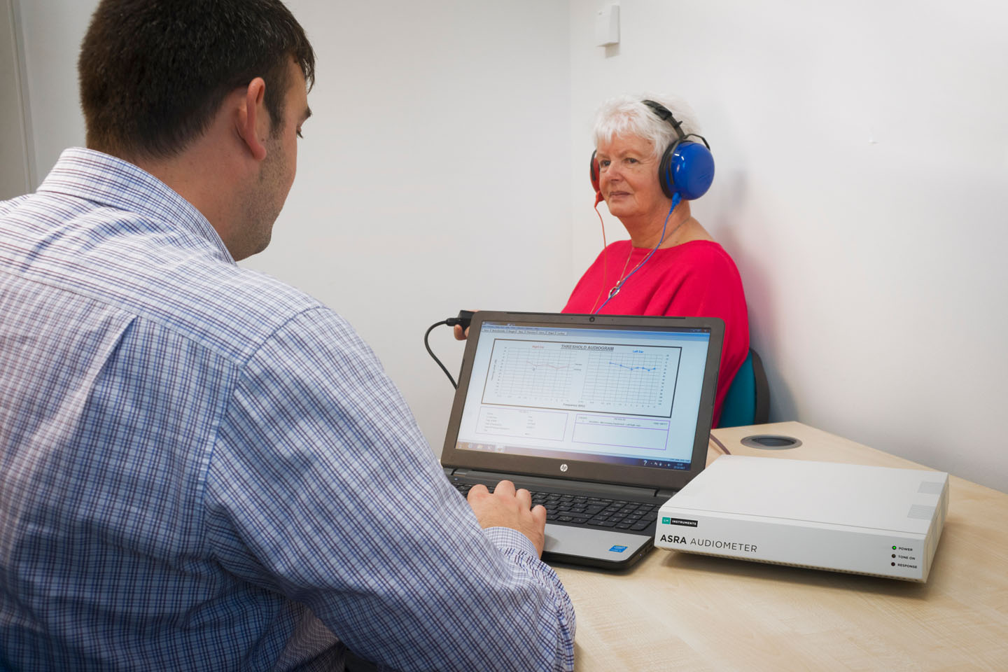 Using the Asra Classic Audiometer